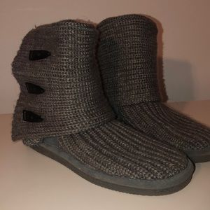 Bear paw knitted grey boots